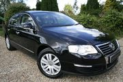 24Hrs MERTON PARK Taxi to Gatwick---02082543380