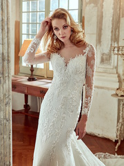 Live the Pronovias Experience in Our Stores