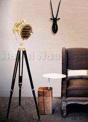 Tripod Lamp Stand – Lighting With Style