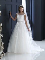 Looking For Bridal Wedding Dresses & Gowns in Berkshire?