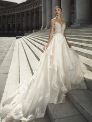 Stunning Bridal Gowns in London For The Fashion Forward Bride