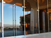 Create an impression with frameless glass shop fronts